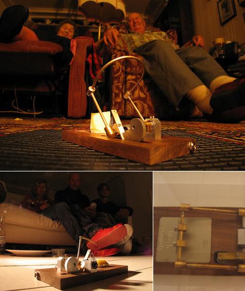 Мышеловка Modified mousetraps может быть щадящей, а может разить супостата, то бишь, грызуна, острой пикой или маленькой гильотинкой (фотографии James Auger, WMMNA).