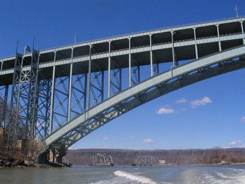 А может ли данный материал с той же точностью анализировать состояние подводной части моста, если на него влияет влажность? (фото с сайта bridgeandtunnelclub.com).
