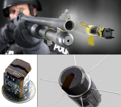 """Вот из такого дробовика стреляют снарядом XREP. Внизу: электронный """"двигатель"""" снаряда и его """"кактусовые"""" боковые электроды (иллюстрации Taser International)."""