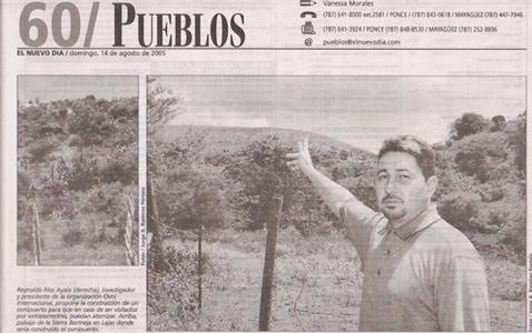 Риос через газету показывает инопланетянам наиболее подходящее место для приземления (фото с сайта wintersteel.com).