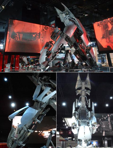 """На снимке слева внизу видна """"распальцовка"""" — раскрытие частей машины для пущего эффекта. Анфас, справа внизу, годится на роль ночного кошмара (фотографии с сайтов seriouswheels.com и amorphicrobotworks.org)."""