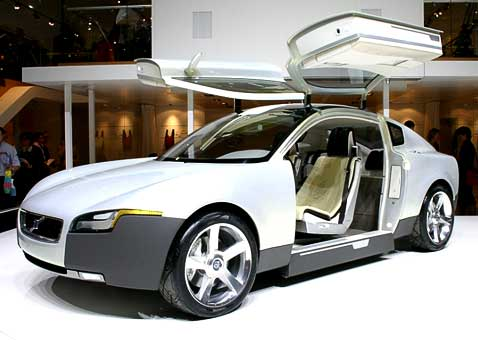 Пороги у машины сдвигаются вниз, чтобы удобнее было садиться и выходить (фото с сайта autointell-news.com).