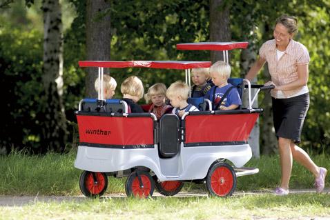 Датчане гордятся тем, что в Turtle Kiddy Bus двери почти как в настоящем автобусе (фото Winther).