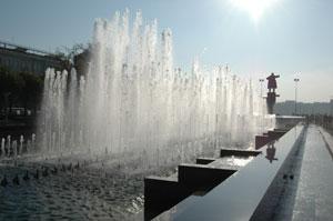 Памятник Ленина на костях – как глубоко символично... И трагично...